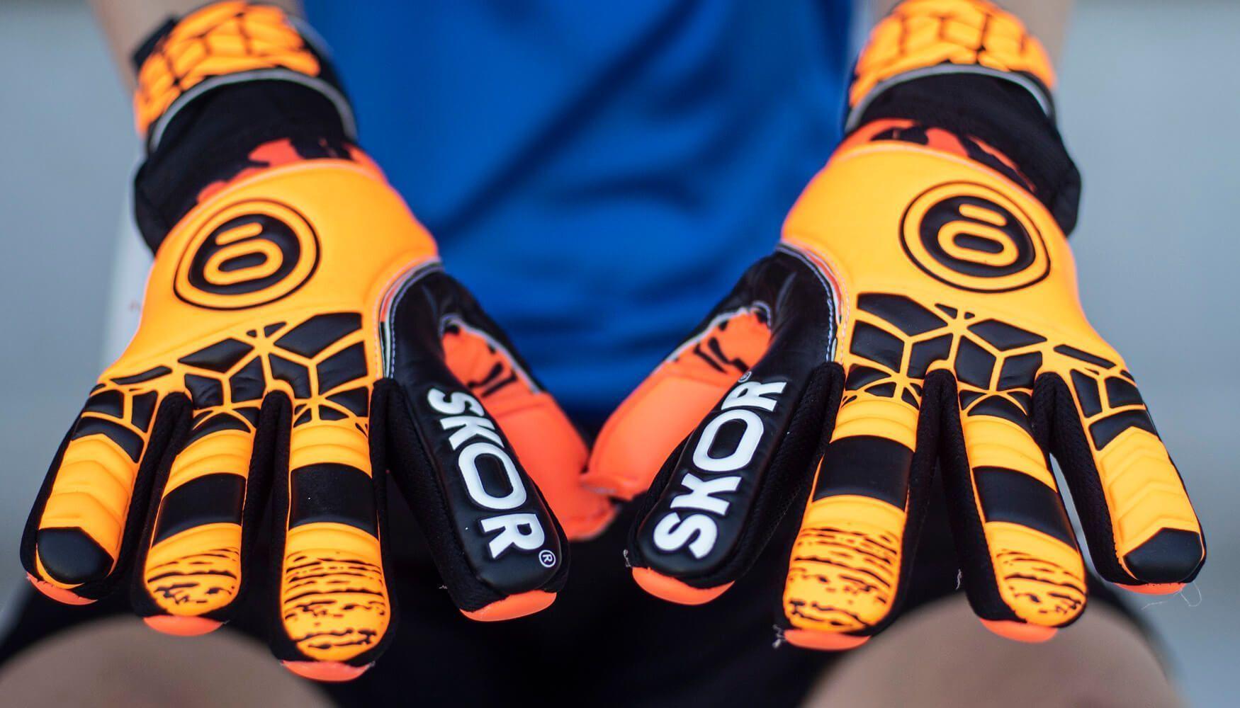 Nieuwe keepershandschoenen kopen? Hier 3 tips voor de aanschaf!